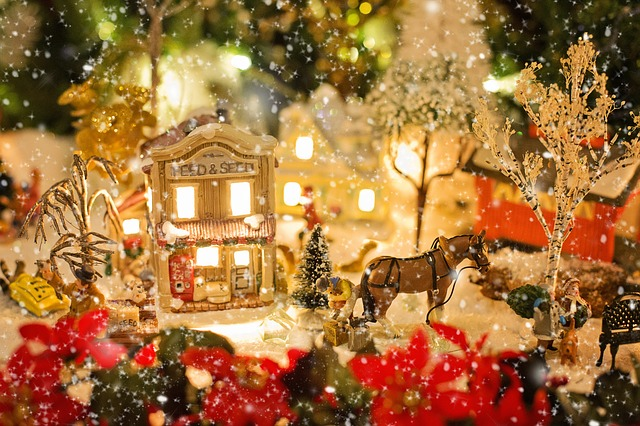 christmas-village-1088143_640 (2)