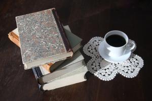 books-1035087_1920
