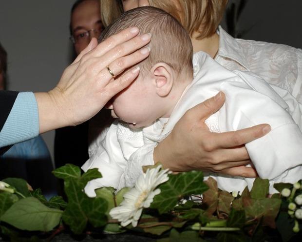 baptism-331581_640